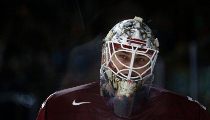 Латвия на домашнем ЧМ может остаться без основного вратаря, пока сборной отказал только один игрок