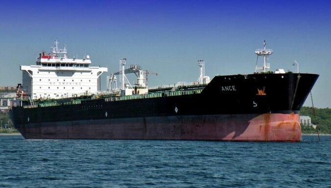 Pie Rietumāfrikas krastiem pirāti uzbrukuši Latvijas tankkuģim