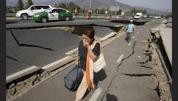 Čīles zemestrīces upuru skaits pieaug līdz 711 cilvēkiem