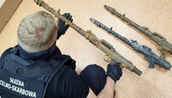 ВИДЕО. Польша: в посылке из Латвии обнаружили немецкие пулеметы MG 34
