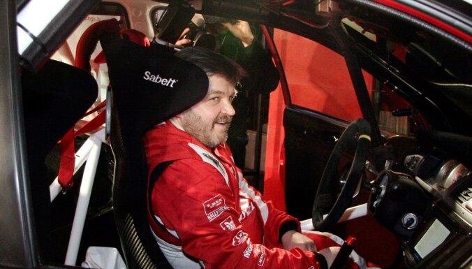 Autosporta meistaru Ivaru Cauni pēdējā gaitā izvadīs ar goda apli Biķernieku trasē
