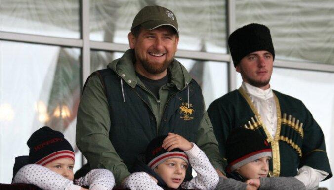 Кадыров в Instagram призвал отказаться от соцсетей США