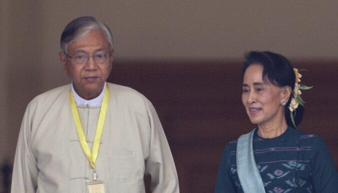 Par Mjanmas prezidentu ievēlēts tuvs Aunas Sanas Su Či sabiedrotais