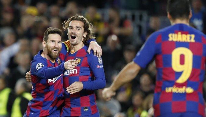 'Barcelona' samazina atpalicību no Madrides 'Real' līdz punktam un saglabā cerības uz titulu