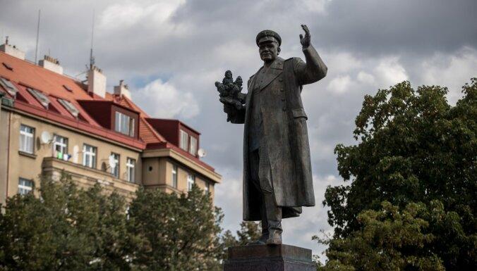 Prāgā novāks pieminekli padomju maršalam Koņevam
