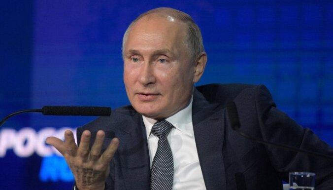 """""""Ранимые и трепетные"""". Путин объяснил поведение росгвардейцев на митингах"""