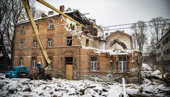 Sprādziens Melnsila ielā – otrdien sāks nostiprināt ēkas konstrukcijas