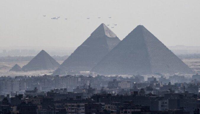 Ēģiptes tiesa bijušajam premjerministram piespriež piecu gadu cietumsodu
