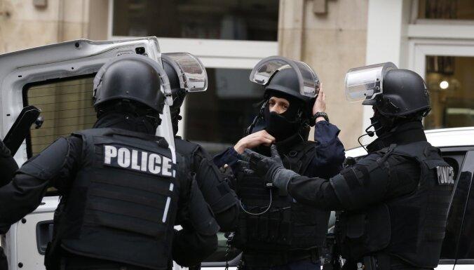 Франция: еще 5 человек задержаны в связи с убийством учителя под Парижем