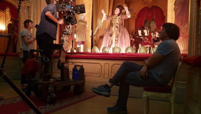Latviešu operdziedātāja Bagele piedalījusies HBO seriāla 'Katrīna Lielā' uzņemšanā