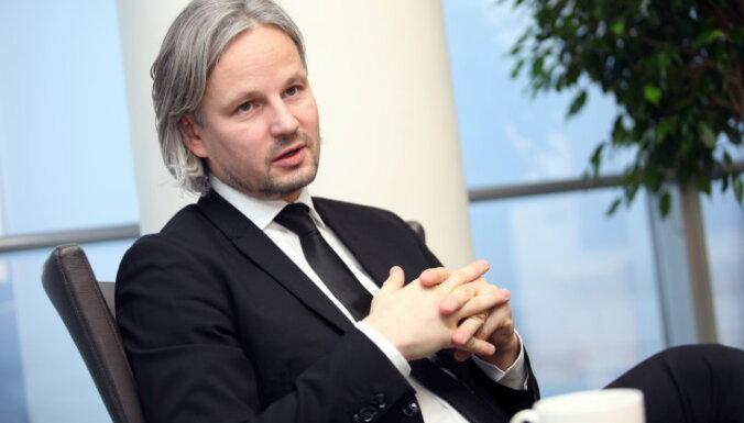 'Swedbank': Arī mēs bažīgi raugāmies uz lēno vakcinācijas gaitu