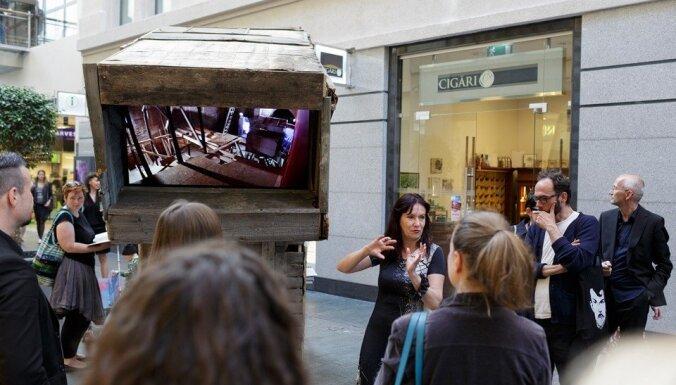 Foto: Rīgā atklāj skatāmlūku uz Latvijas paviljonu Venēcijas mākslas biennālē
