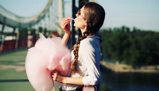 Piebremzē ar kāro zobu! Kāpēc nevajadzētu uzturā iekļaut pārāk daudz cukura
