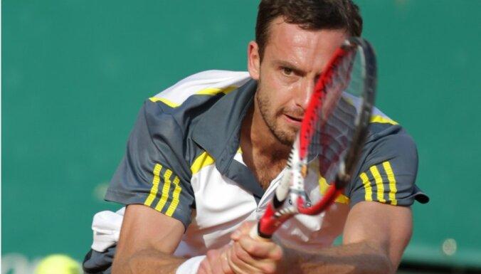 Gulbis 'French Open' pirmajā kārtā spēkosies ar brazīlieti Dutru Silvu