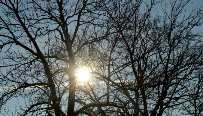Otrdien brīžiem uzspīdēs saule