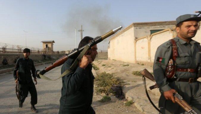 Starptautiskā Kabulas lidosta piedzīvojusi talibu uzbrukumu