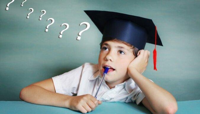 Kāda ir bērna intelektuālā un emocionālā attīstība vecumā no septiņiem līdz 16 gadiem