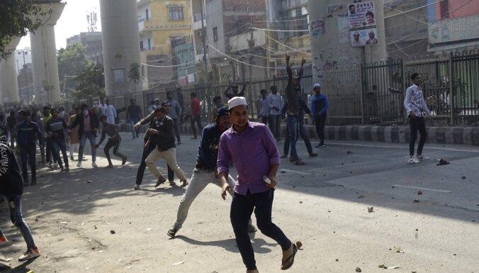 'Amnesty International' apsūdz Indijas policiju cilvēktiesību pārkāpumos