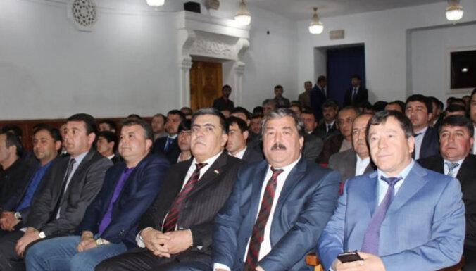 Tadžiku policistiem turpmāk būs jātievē un obligāti jāapmeklē teātris