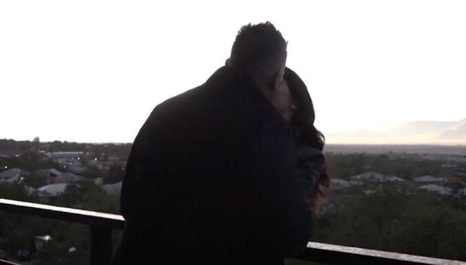 Skūpsti un apskāvieni: ieskats saimniekšova Ilmāra un Beātes ceļojumā