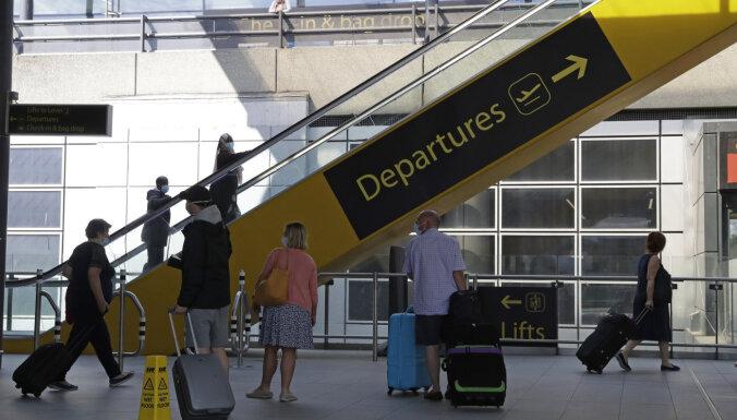 """""""Потеряли время, деньги, нервы"""". Из-за отмененного рейса airBaltic путь домой для семьи превратился в кошмар"""