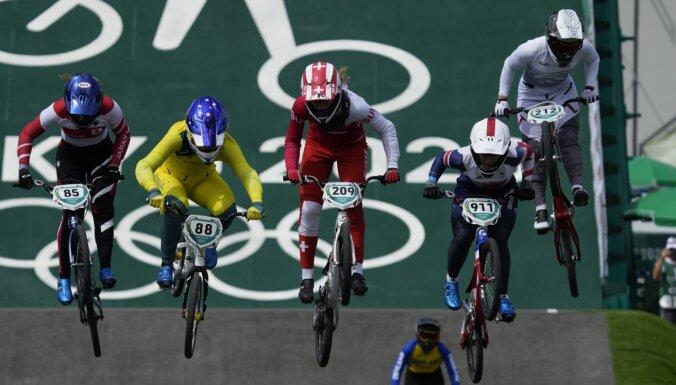 Latvijas BMX braucēji Tokijas olimpiskajās spēlēs nepārvar ceturtdaļfinālu