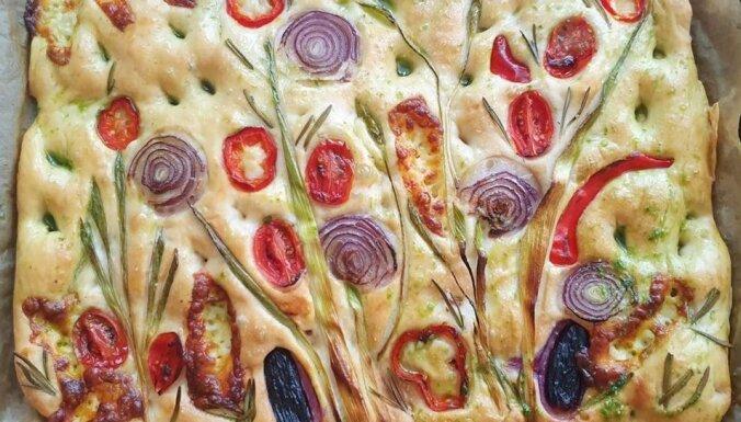 Jauns izaicinājums maizes cepējiem – krāšņi dekorētas fokačas