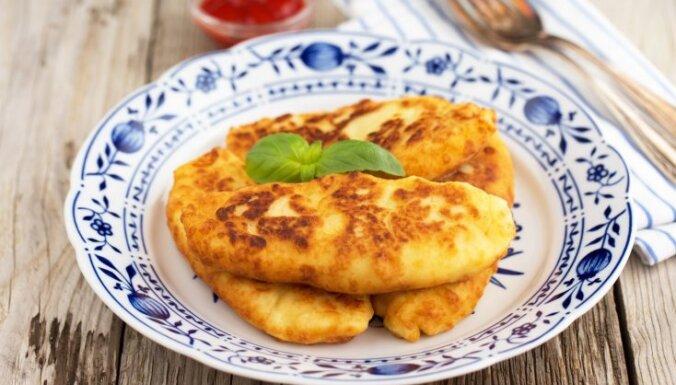 Жареные на сковороде пирожки из картофельного теста