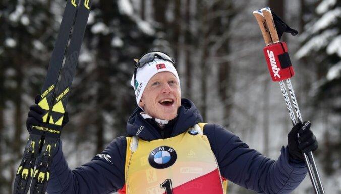 Бе взял третье золото в Рупольдинге и нацелился на рекорд Фуркада, Расторгуев — в топ-20