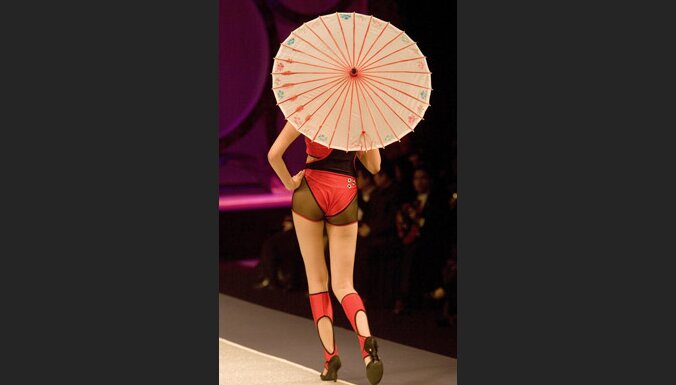 10. Ķīnas modes nedēļa. Foto: EPA-AFI