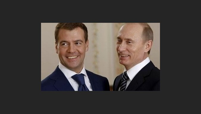 Медведев: мой курс— это курс Путина