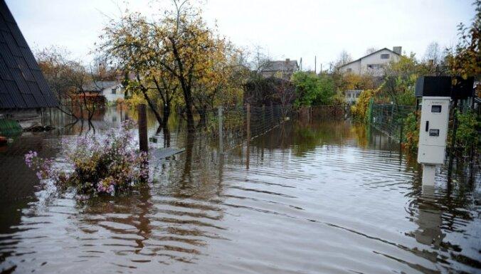 Огре под водой: на очистку реки нужны миллионы