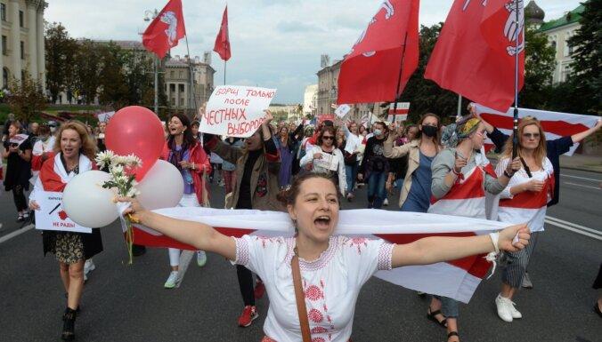 Протесты в Беларуси: арестовано руководство PandaDoc, женский марш в Минске