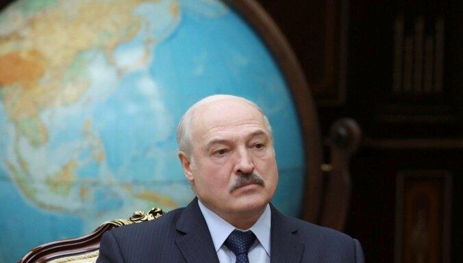 Kremlis konstruē jaunu baltkrievu partiju pret Lukašenko, bet par Krieviju, uzzinājis medijs