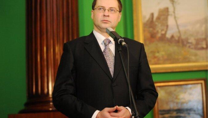 Premjers par gada neveiksmi uzskata referendumu par krievu valodu