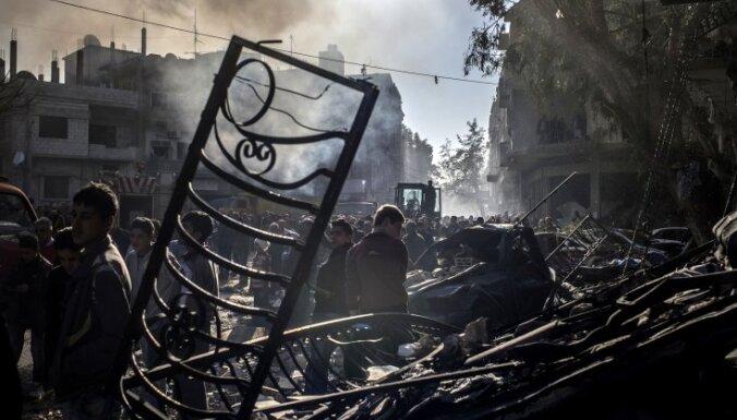Aģentūra vēsta, ka ASV veido militāro aviobāzi Sīrijā
