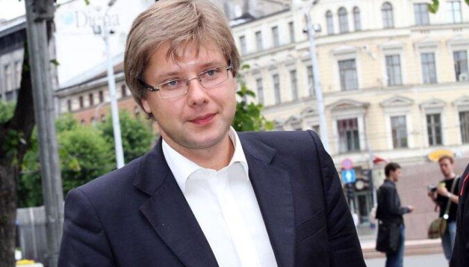 Urbanovičs: Ušakovs ir labāks premjera amata kandidāts