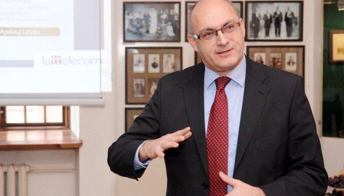Rektora pienākumu izpildītājs negrasās uzturēt LU tiesvedību pret valdību Muižnieka jautājumā