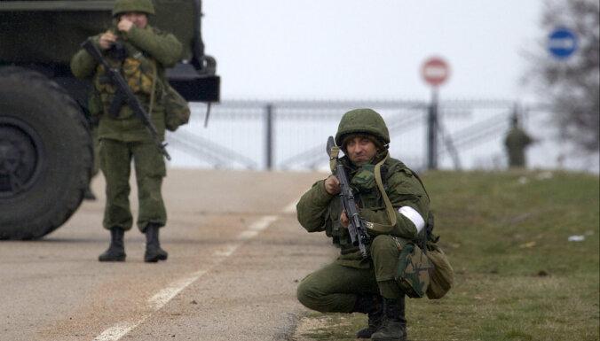 """Комиссия Сейма одобрила закон на случай вторжения """"зеленых человечков"""""""