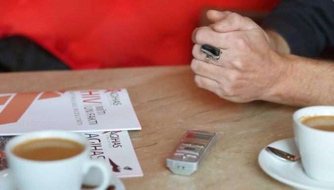 Пандемия во время пандемии. Разговор с руководителем общества поддержки пациентов с ВИЧ Андрисом Вейкениексом