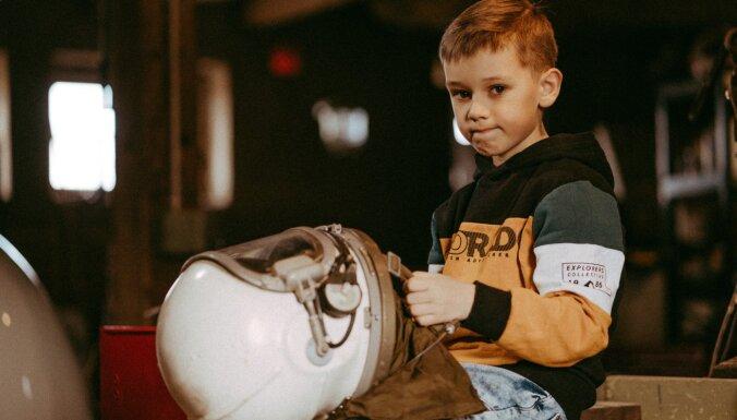 """Шлем космонавта, микропечка, древняя парикмахерская: Топ-10 старинных предметов, которые можно увидеть в """"Парке будущего"""""""