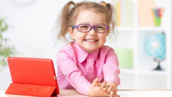 Aizliegtais auglis būs vēl saldāks – vecāku viedokļi un psihoterapeites padomi par interneta lietošanu bērnam un kontroli