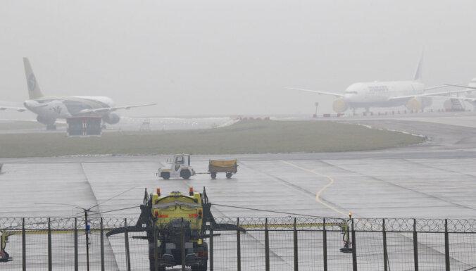 В аэропорту Внуково столкнулись два пассажирских самолета