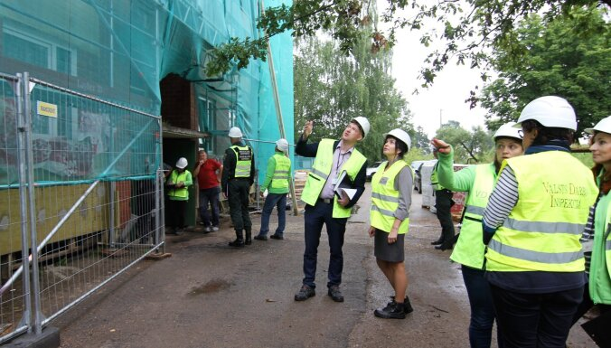 Инспекция труда и министр благосостояния отправились в рейд по строительным объектам
