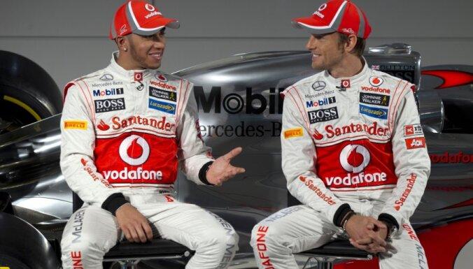 'McLaren' un 'Mercedes' dominē otrajā treniņā Malaizijā