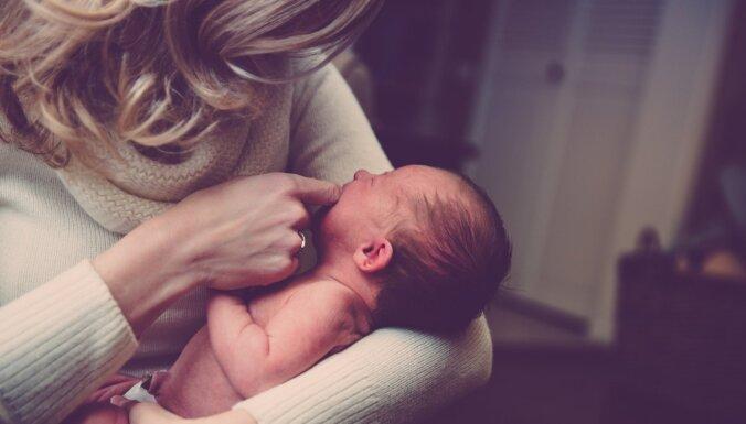 Kad pēc bērniņa zīdīšanas krūtis kļuvušas asimetriskas