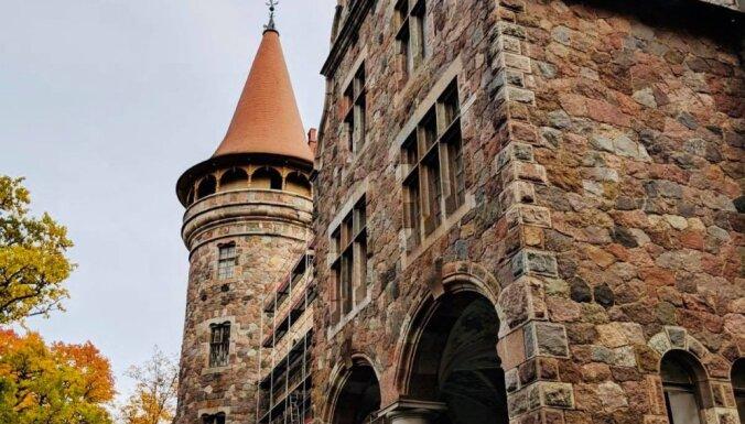 """ФОТО. Цесвайнский замок в процессе реставрации (и """"Ночь легенд"""", которая пройдет в нем 27 октября)"""