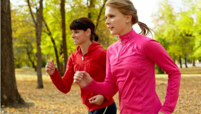Все на спорт: в Риге вновь организуют бесплатные тренировки под открытым небом