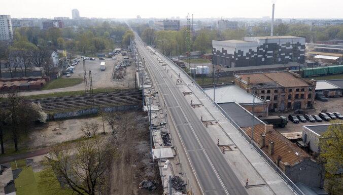 C субботы частично возобновится движение транспорта по Деглавскому мосту