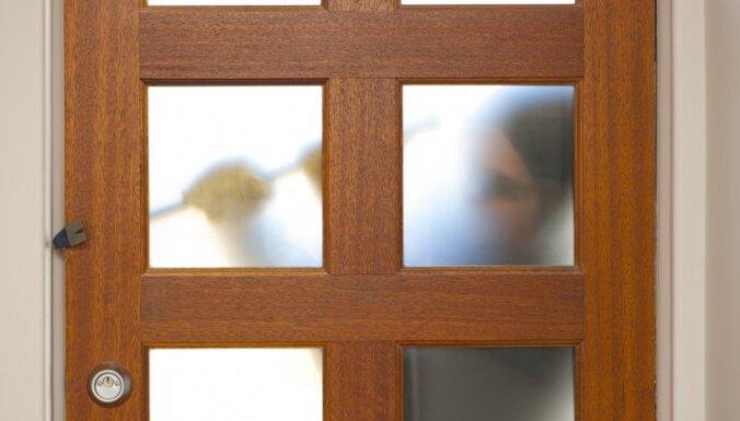 Опытный вор попался на серийных кражах из частных домов